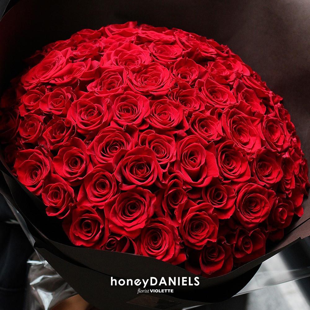 99朵紅玫瑰